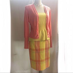 Dresses & Skirts - Preppy skirt. Lined beautifully/tacked. Hook/eye.